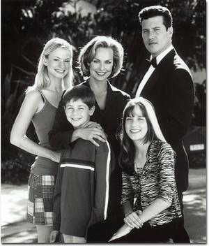 Сериал «Секреты семьи Арно» (2000 – 2001)