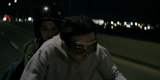 «Уэйн» — кадры