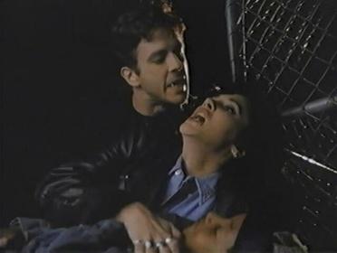 «В постели с вампиром» — кадри